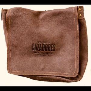 Cazadores messenger bag
